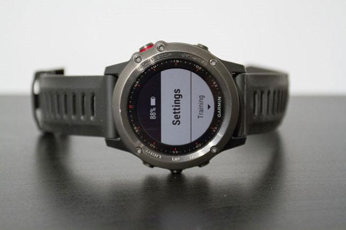 Портативный навигатор Garmin fenix 3