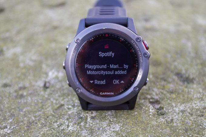 GPS-часы для мультиспорта и туризма Garmin fenix 3. Умные уведомления