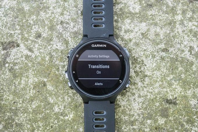 Часы Forerunner 735XT. включить переходы между этапами тренировки Transitions