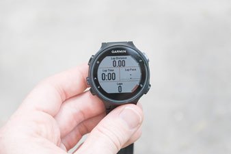 Часы Forerunner 735XT. Поля с данными