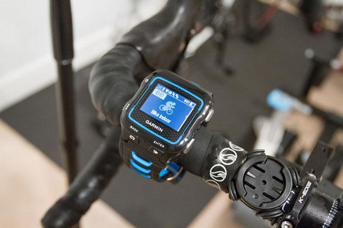 GPS-часы для мультиспорта Garmin Forerunner 920XT. Тренировка в помещении