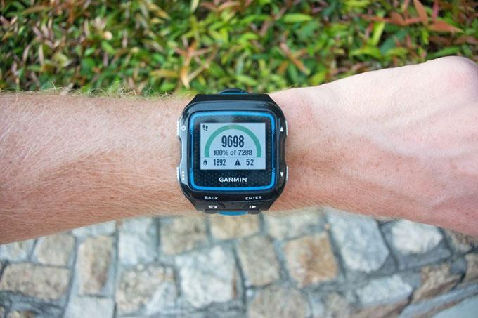 Спортивные часы для триатлона Garmin Forerunner 920XT. Фитнес трекер