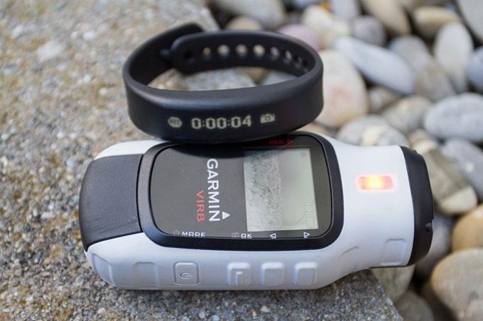 Фитнес-трекер Garmin vivosmart. Поддержка экшн-камер Garmin VIRB