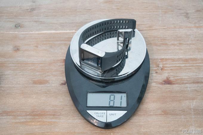Часы Polar V800 весят 81 грамм