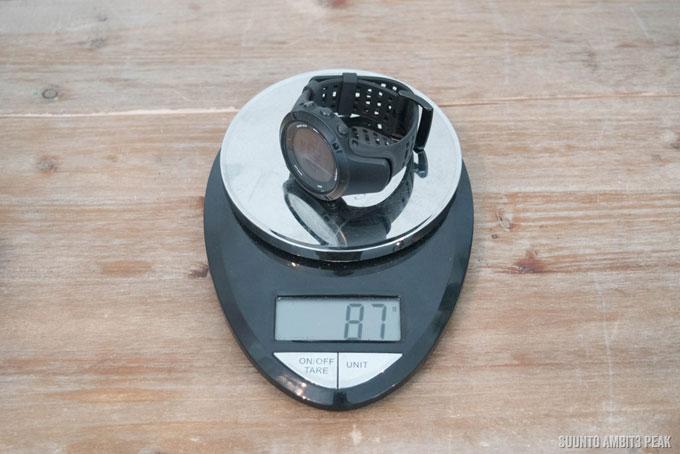 Часы Suunto Ambit3 Peak весят 87 грамм